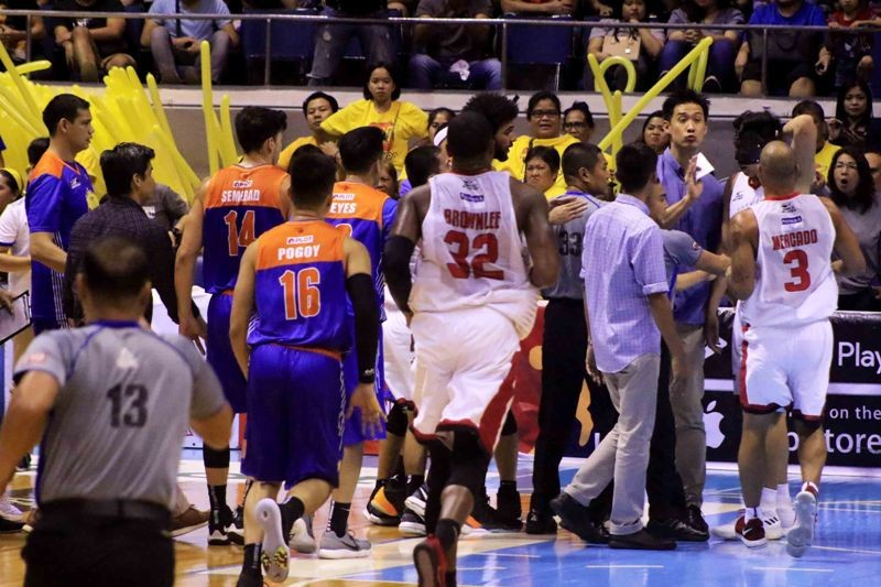PBA Governors Cup Game 4 skirmish involving Geln Rice Jr. and Kevin Ferrer (photo by Peter Paul Baltazar)
