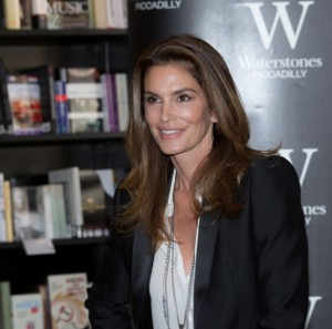 Cindy Crawford (photos by Ibsan73/ Commons Wikimedia)