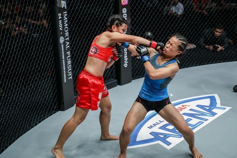 Gina Iniong vs Priscilla Hertati Lumbangaol (ONE Championship photo)