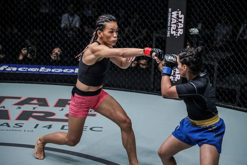 Tiffany Teo vs Puja Tomar (ONE Championship photo)