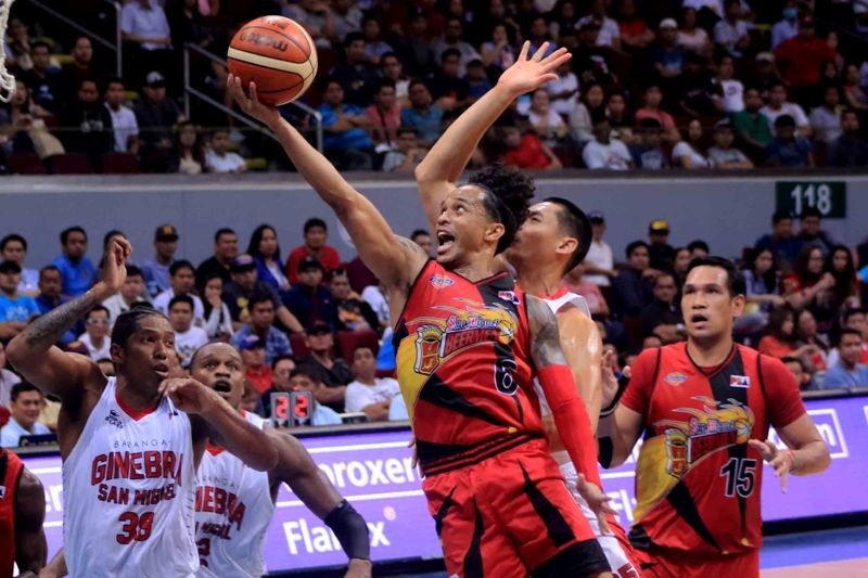 Chris Ross goes in for a layup. (photo by Peter Paul Baltazar)