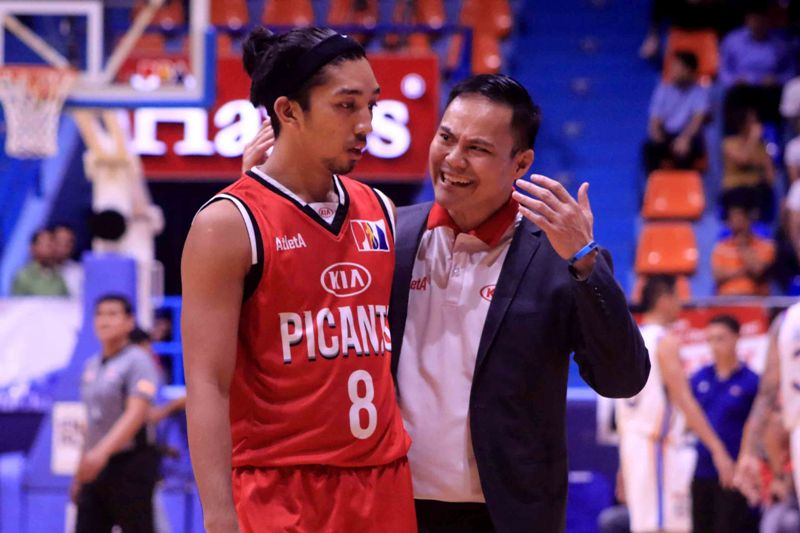 Chris Gavina and Philip Paniamogan of Kia Picanto (photo by Peter Baltazar)
