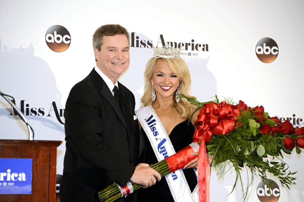 Miss America suspends CEO in email flap