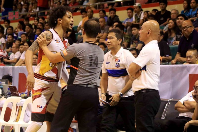Chris Ross and Yeng Guiao (photo by Peter Baltazar)