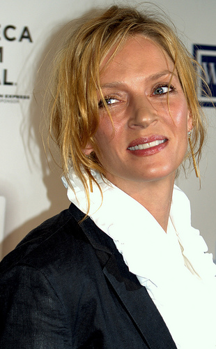 Uma Thurman joins actresses accusing Weinstein of misconduct