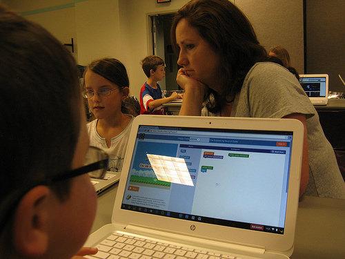 18708020533_34375d3452_kids-computer