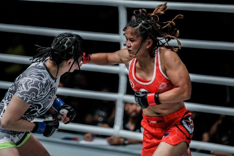 Gina Iniong vs Jenny Huang (ONE Championship photo)