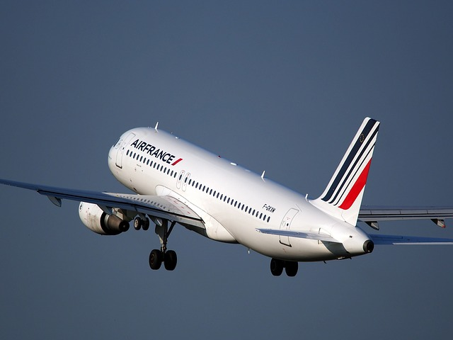 Air France strike sees 30 percent of flights cancelled