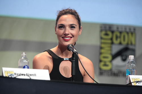 Gal Gadot shows 'Wonder Woman 1984' first look at Comic-Con