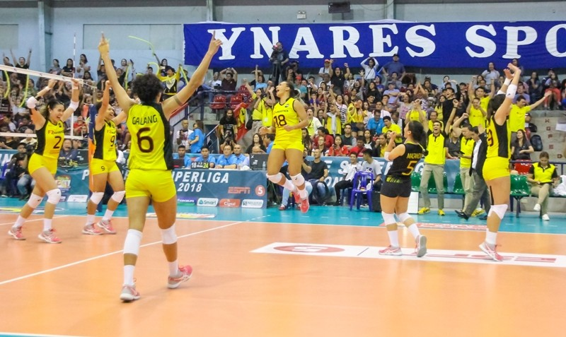 F2 Logistics celebrate after defeating Petron, bagging the 2018 PSL Invitational Conference crown.