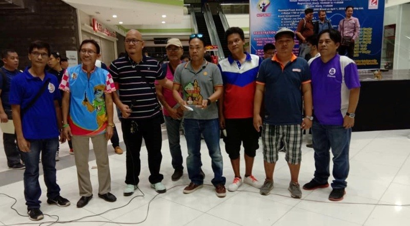 National Master (NM) Allan Cantonjos (fifth from left) received the championships' trophy plus the top prize P60,000 from tournament director Hon. BM Alfredo B. de Veyra (3rd from left) after Larry Dumadag 2 chess team won the just concluded Hon. BM Alfredo B. de Veyra III Cup Tatluhan Mindanao Rapid Chess Championship last Sunday, July 22, 2018 at the Robinsons Place in Tagum City, Davao del Norte.