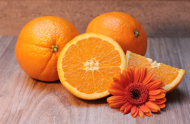Study: An orange a day keeps blurred vision away
