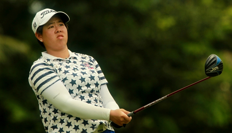 Huang, Suksukont grab clubhouse lead