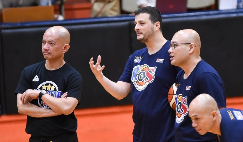 Coaches Yeng Guiao and Caloy Garcia during one the practices of the national squad (photo by Joaquin Flores)