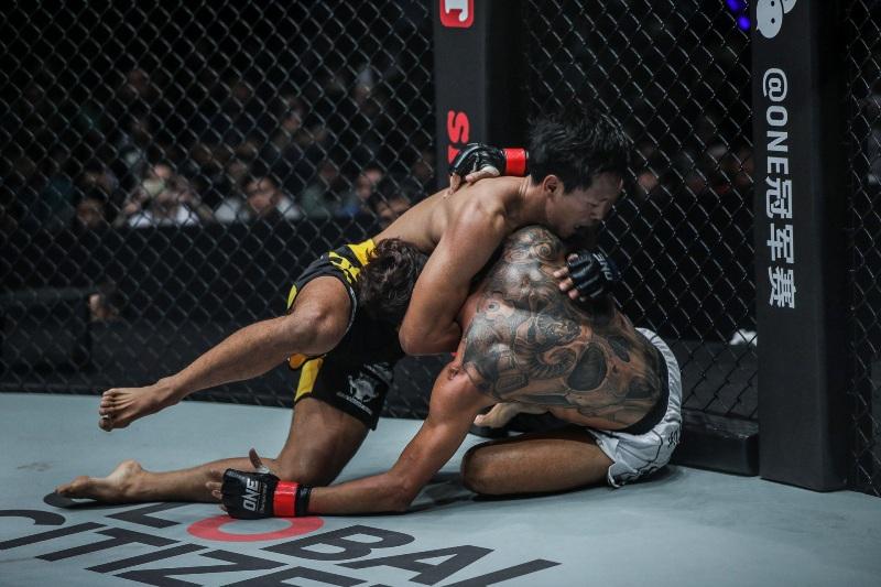Phoe Thaw vs Keanu Subba (ONE Championship photo)