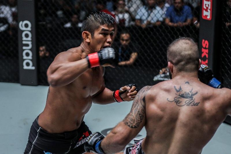 Aung La N Sang vs Mohammad Karaki (ONE Championship photo)
