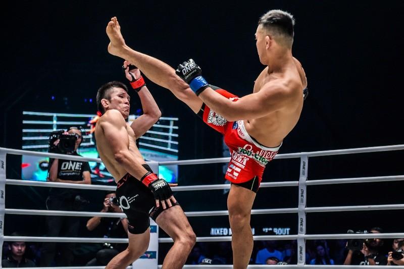 Shinya Aoki vs Ev Ting (ONE Championship photo)