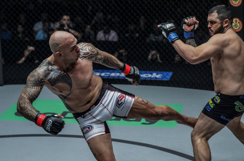 Brandon Vera lands a kick to Mauro Cerilli of Italy at ONE: Conquest of Champions. (ONE Championship photo)