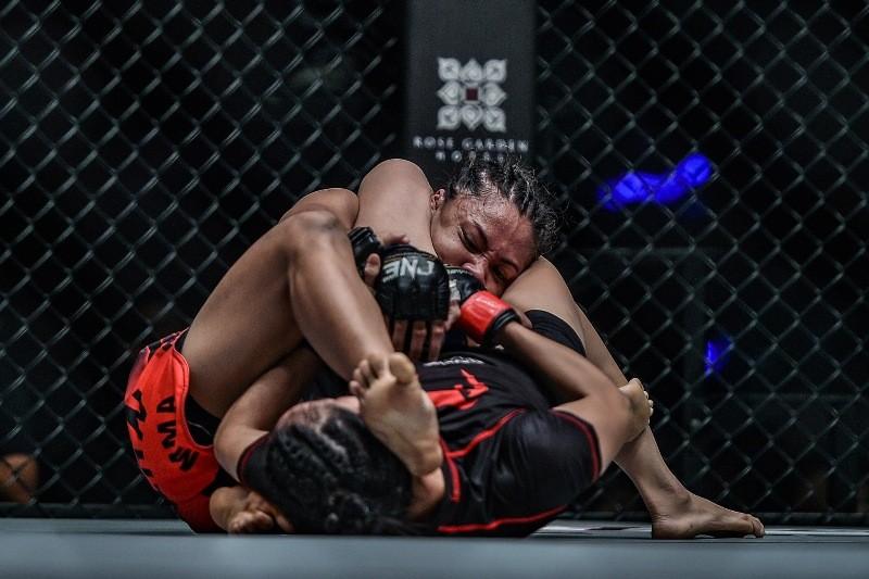 Lin Heqin vs Jomary Torres (ONE Championship photo)