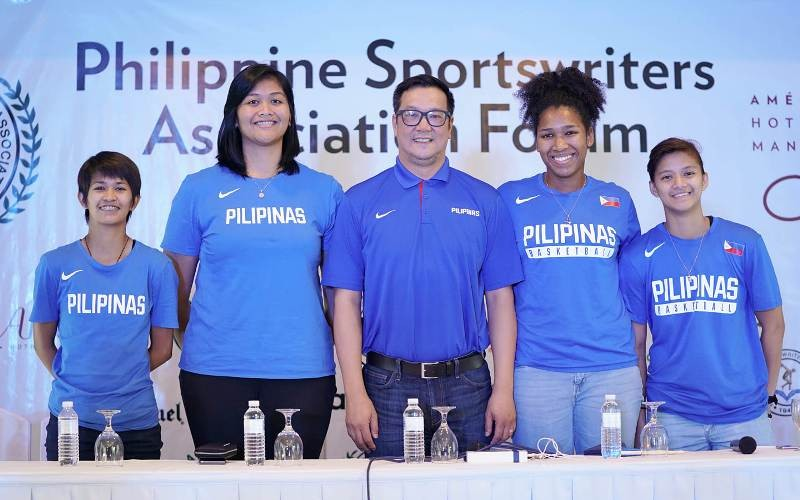 Pat Aquino (center) with Afril Bernardino, Janine Pontejos and Clare Castro. (photo from PSA Facebook)