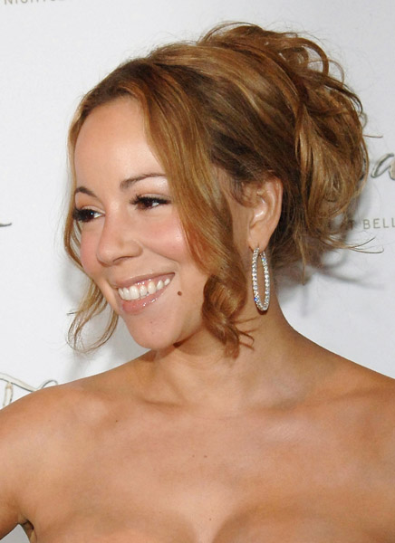 """Mariah Carey thinks her first marriage was a bid to """"control"""" her"""