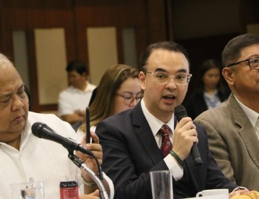 Sen Alan Peter Cayetano and PSC Chairman William Butch Ramirez