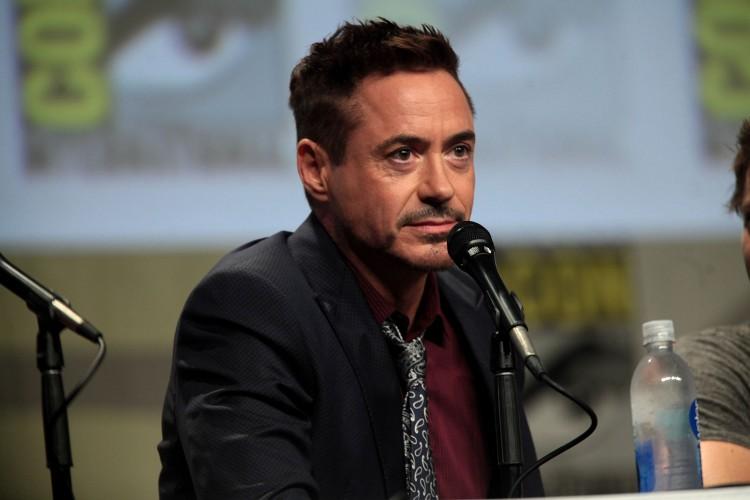 1599px-Robert_Downey_Jr_2014_Comic_Con