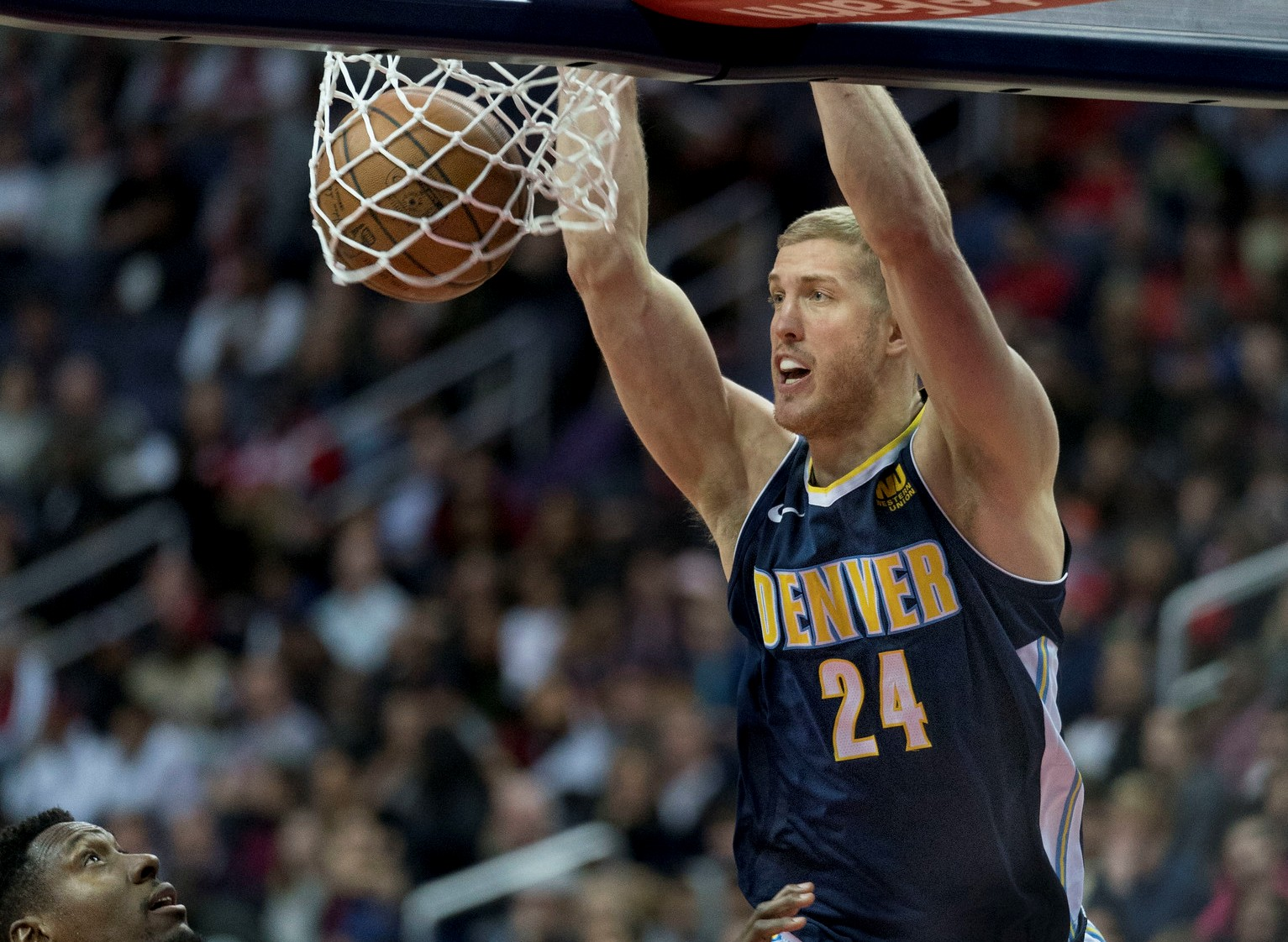 NBA: Backup Nuggets center sidelined by foot injury