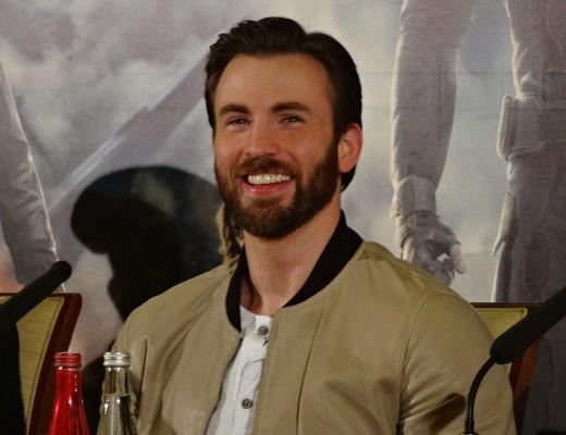 1024px-Chris_Evans_-_Captain_America_2_press_conference