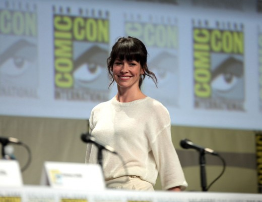 1024px-Evangeline_Lilly_2014_Comic_Con