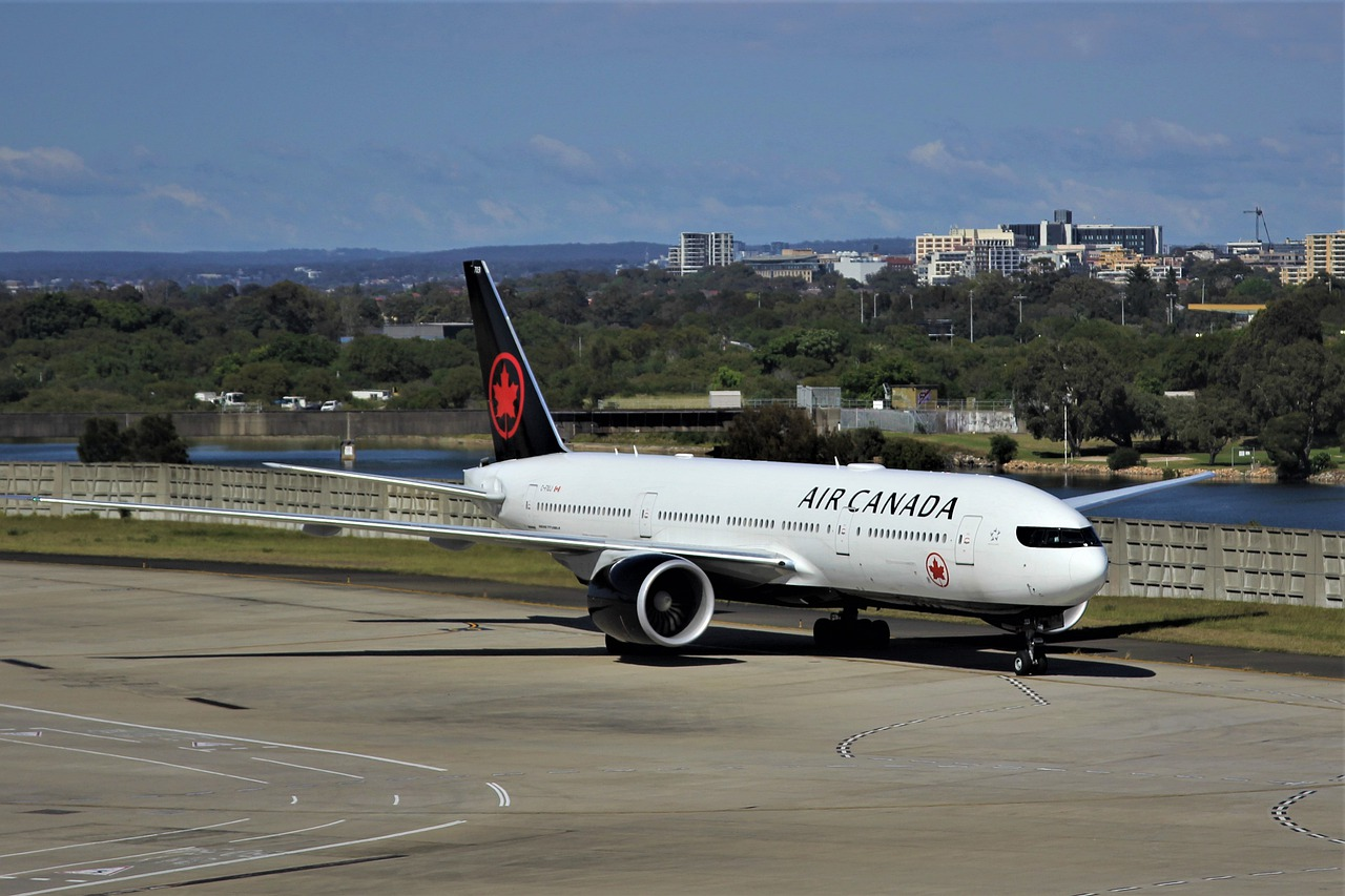 Air Canada to temporarily lay off half its workforce