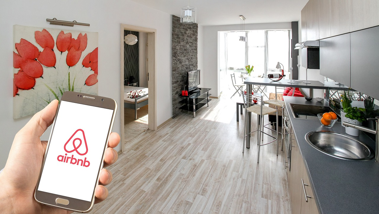 Airbnb, hotels seek US government aid as demand flattens
