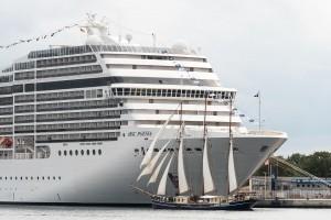 cruise ship [pixabay photo]