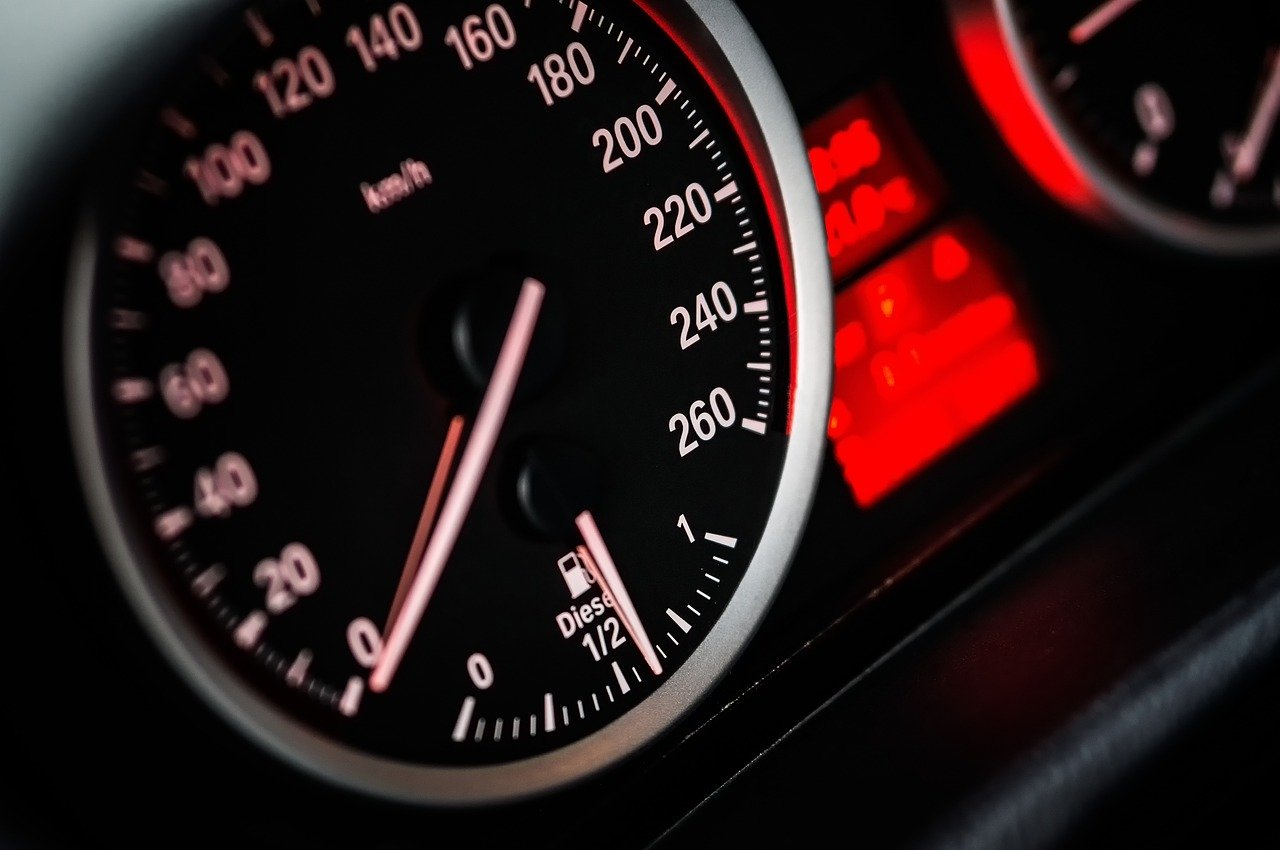 Fast and furious: Ontario 19-year-old charged for 'unbelievable' speeding