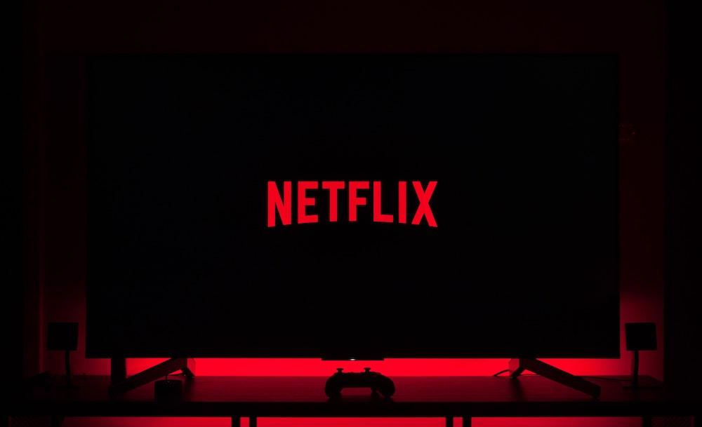 Netflix to Make Quarantine Series 'Social Distance' with 'OITNB' Creator Jenji Kohan