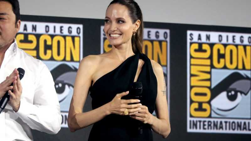 Angelina Jolie Says She's In Awe Of Daughter Zahara: 'Extraordinary African Woman'
