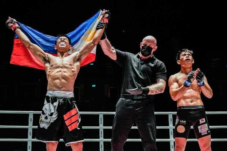 """Drex """"T-Rex"""" Zamboanga [ONE Championship photo]"""