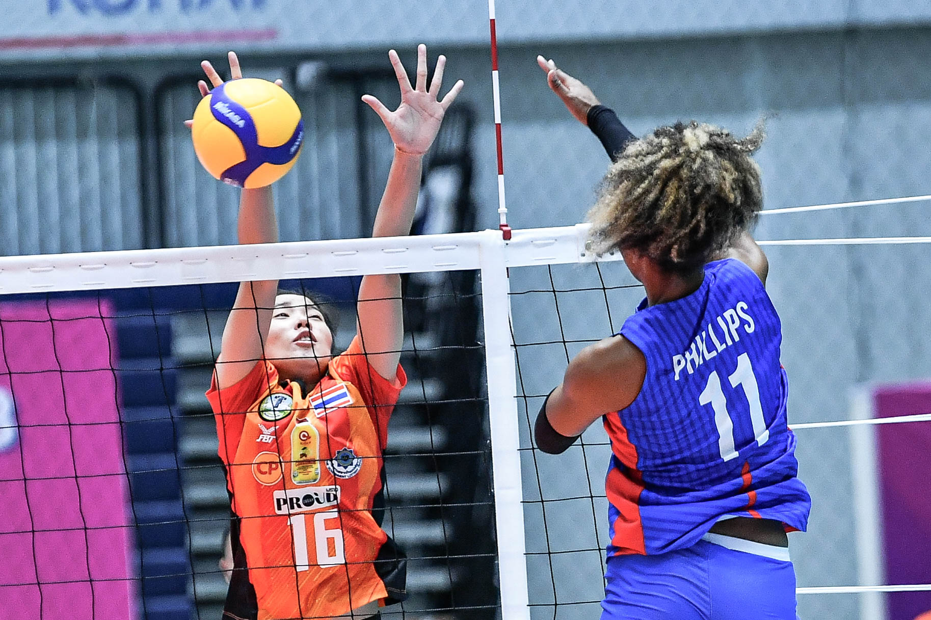 MJ Philips of the PH team in action at the 21st Asian Women's Club Volleyball Championship  [Asian Volleyball Confederation | Eddy Phongphakthana]